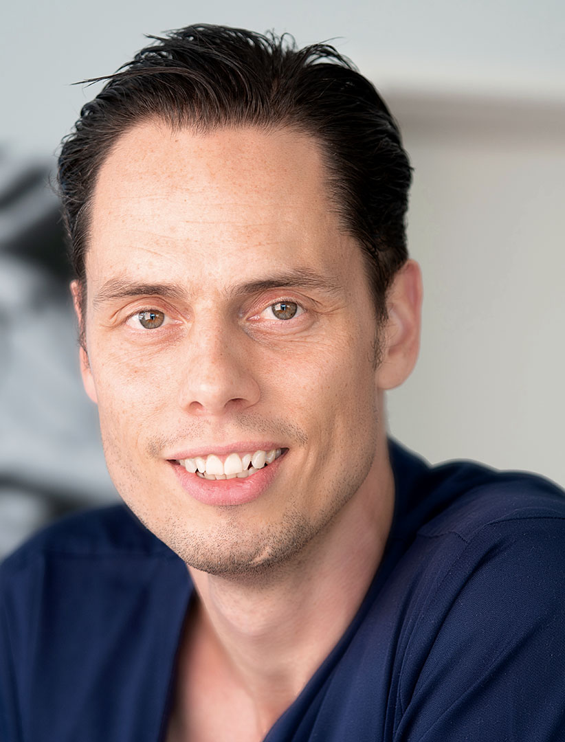 Zahnarzt Dr. Marc Hinze – München, Implanteer
